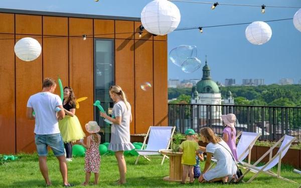 HB Reavis buduje kompleks Forest w Warszawie. Na dachu powstał ogólnodostępny ogród miejski